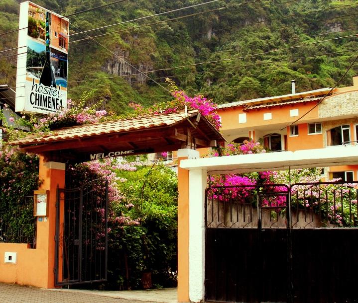 http://banosecuador.com/wp-content/uploads/2011/11/Hostal-Chimenea-Ba%C3%B1os.jpg