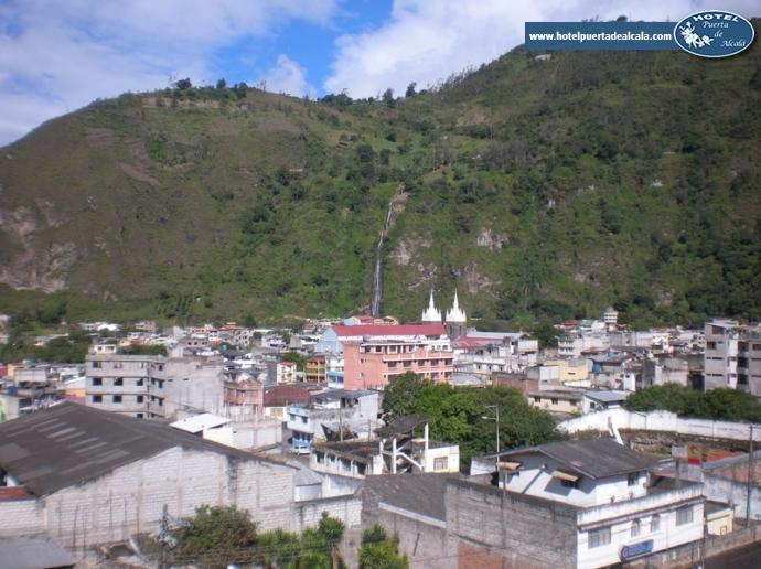 Puerta De Alcala Baños:Banos Ecuador