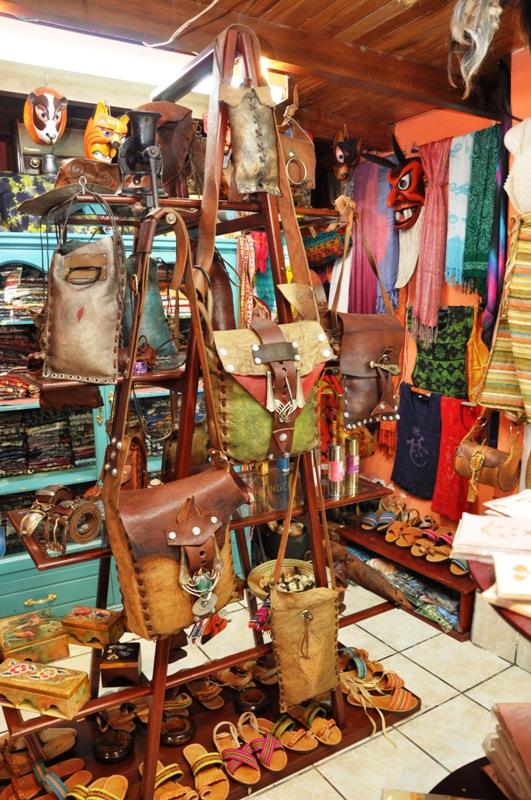 ecuadorian handicrafts