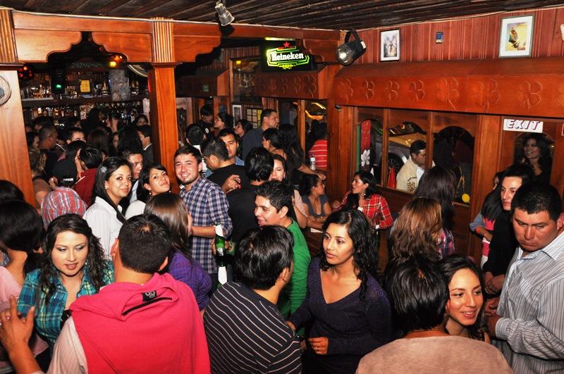 leprechaun banos ecuador bar and pub